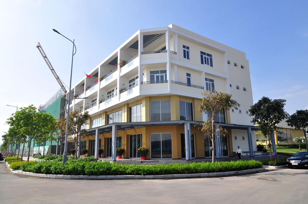 Cho thuê shop Samiri Sala Đại Quang Minh DT 700m2 có 1 hầm 4 lầu giá 85 triệu/tháng call 0944909192