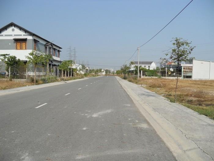 Bán đất 2 mặt tiền đường Trần Não – Diện tích: 20x40m – Giá: 300tr/m2 – Quận 2