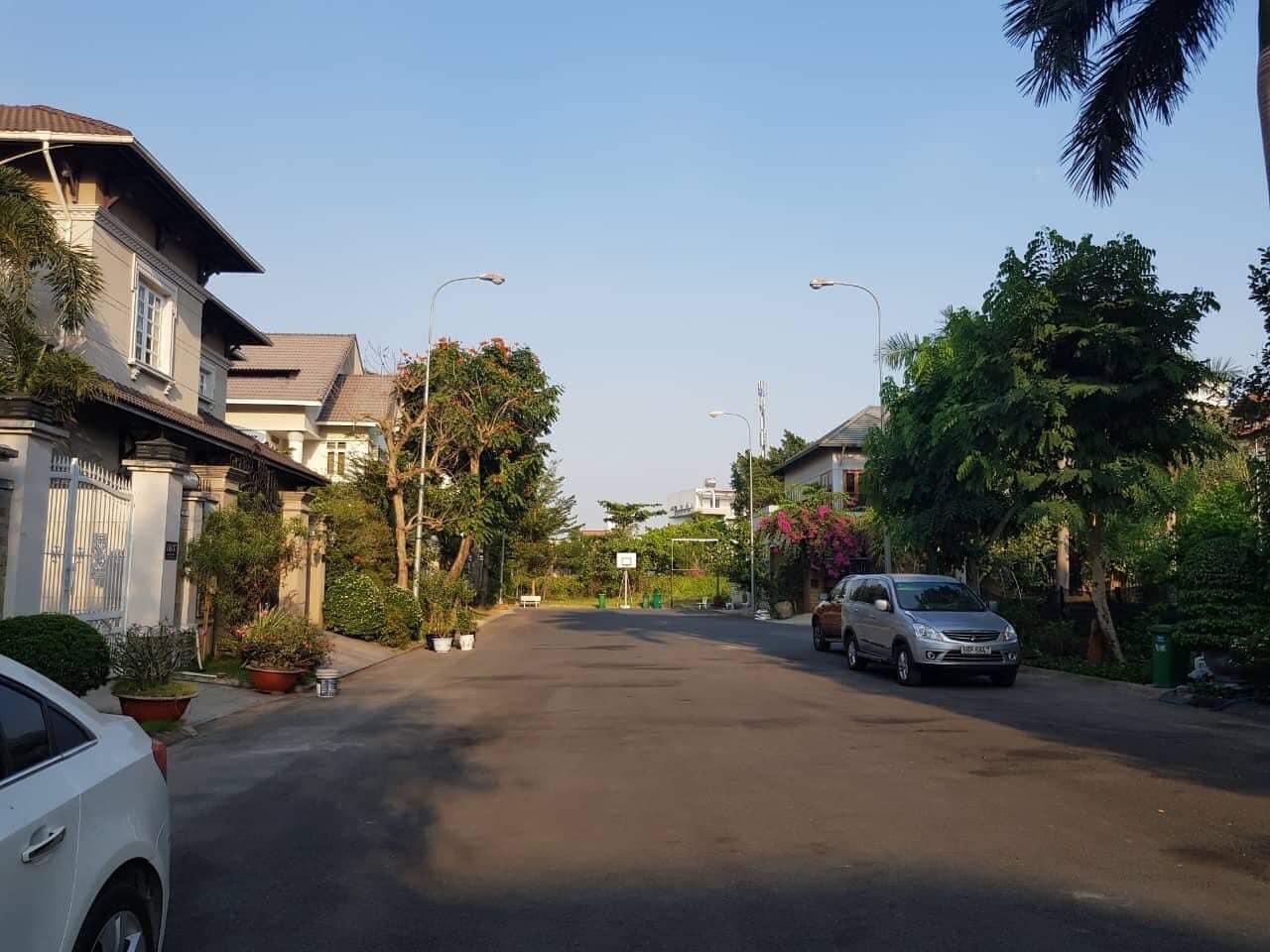 Bán Đất Biệt thự Thảo Điền cần bán nằm trong khu Compound Eden số 121 Nguyễn Văn Hưởng, Thảo Điền, Quận 2.